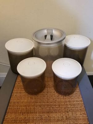 Click Clack and Snail Kitchen Storage Containers for Sale in Lakewood, OH