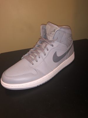 Jordan 1's mid Wolf Grey Size 11 for Sale in Lexington, SC