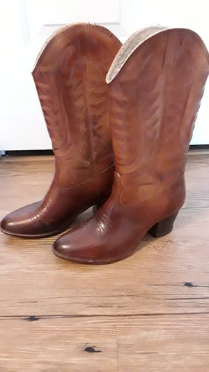 Cowboy boots women size 6 for Sale in Palm Harbor, FL