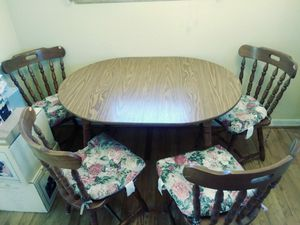 Family Style Kitchen Table & 6 chairs for Sale in Fort Washington, MD