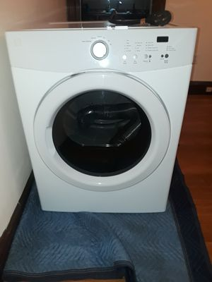 Kenmore electric washer and dryer for Sale in Lowell, MA