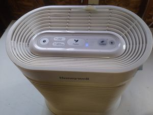 Honeywell HEPA room air purifier for Sale in Arlington, WA