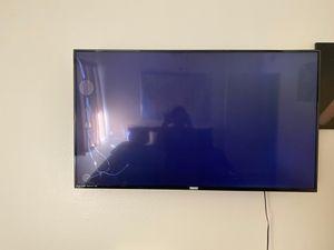 55' Philips tv (broken screen) for Sale in Bakersfield, CA