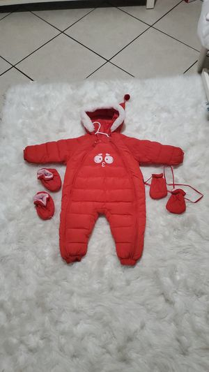Baby boy/girl snow suit size 12 months. for Sale in Las Vegas, NV