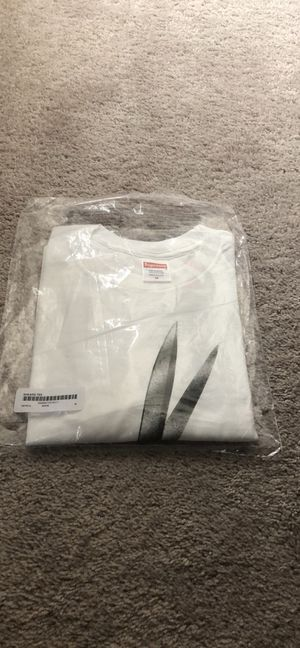 Supreme T-Shirt Medium for Sale in Durham, NC