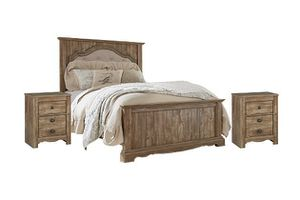 King size bed set 2 night stands & dresser mirror for Sale in Houston, TX