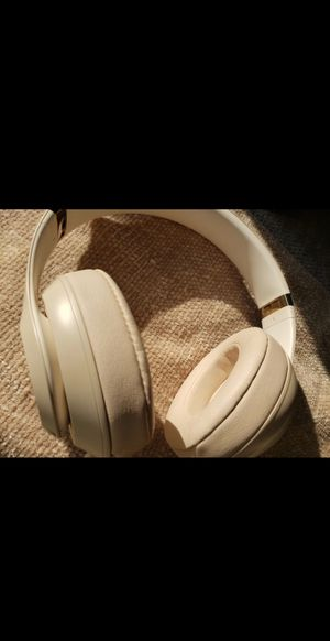 Beats studio 3 wireless for Sale in San Mateo, CA