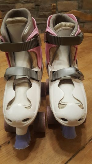 Girls roller skates size 4 for Sale in Chandler, AZ