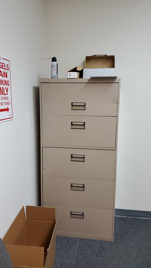 5 drawer filing cabinet for Sale in Irvine, CA