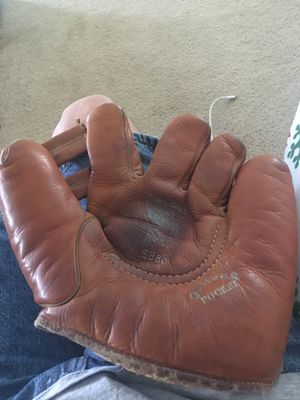 Vintage Softball glove, U.S.N., Goldsmith, Chicago, SB80 model for Sale in Stockton, CA