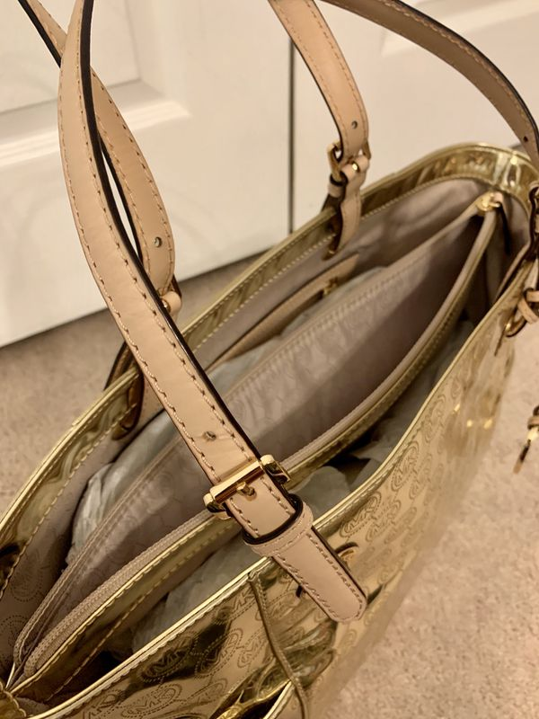 NWT Authentic Michael Kors (MK) Saffiano Leather Gold Tote