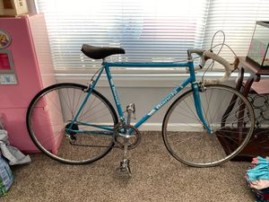 Bianchi road bike for Sale in Tigard, OR