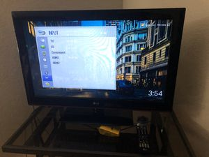 LG 32 inches 2 HDMI and 1 USB and chrome cast for Sale in Scottsdale, AZ