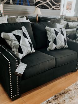 Sofa And Loveseat Set for Sale in Orlando,  FL