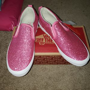 New pink glitter asher Slip-On vans for Sale in Lacey, WA