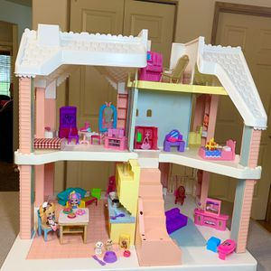 Doll house for Sale in Vancouver, WA