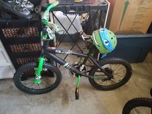 Kids bike with Turtle Helmet for Sale in Manassas Park, VA