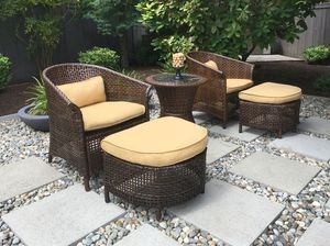 Outdoor Furniture Set - Wicker new - 5-piece - great for small spaces, Sunbrella for Sale in Issaquah, WA