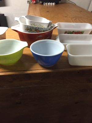 Pyrex kitchen cooking set for Sale in Ashville, OH