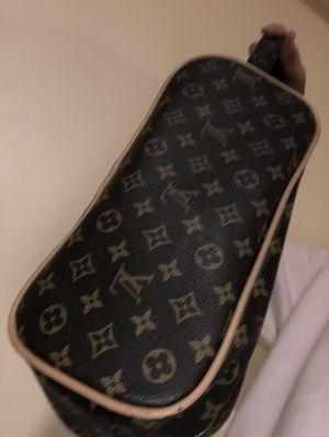 Louis Vuitton bag for Sale in Methuen, MA