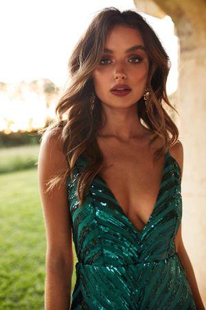 Emerald Green Prom Dress- Size XS for Sale in Miami, FL