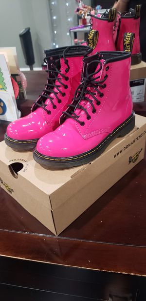 Dr marten pink girls boots for Sale in East Compton, CA