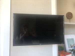 """TCL 32"""" Class HD Roku Smart LED TV for Sale in Denver, CO"""