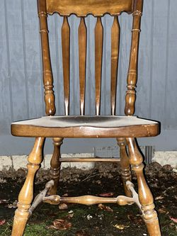 Brown Kitchen Table Chairs for Sale in Lake Oswego,  OR