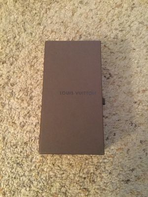 LOUIS VUITTON SIGNATURE SUNGLASSES EYEGLASSES GIFT BOX CASE, NEW for Sale in Bayport, NY