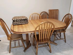 Kitchen table with chairs for Sale in Azusa, CA