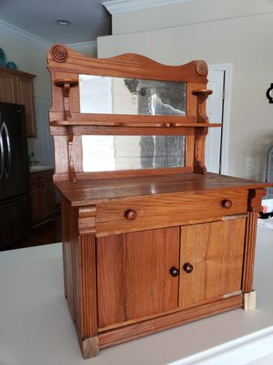 Antique doll dresser for Sale in Cypress Gardens, FL