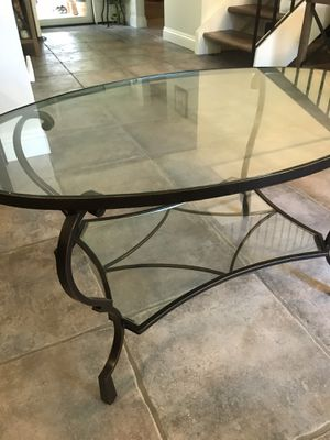Coffee table and side table for Sale in San Clemente, CA
