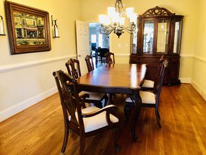 Master Pulaski complete dining set for Sale in Roswell, GA