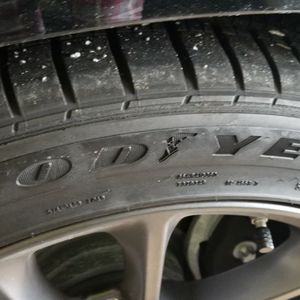 20inch Tires Charger for Sale in Plainfield, IL