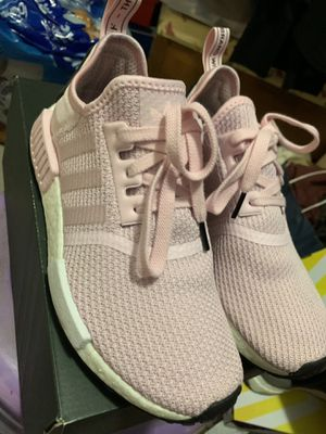 Adidas NMD pink women's size 7.5 for Sale in Austin, TX
