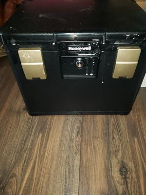 Honeywell fire proof safe for Sale for sale  Douglasville, GA