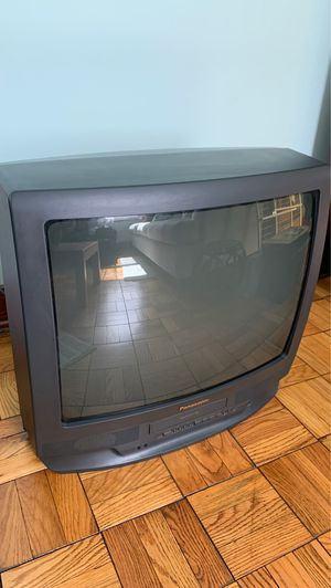 Panasonic Omnivision TV/VHS combo *Best offer* for Sale in Harmony, PA