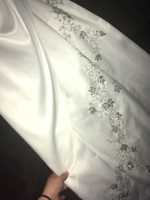 Wedding/prom dress, free shipping!! for Sale in Owensville, IN
