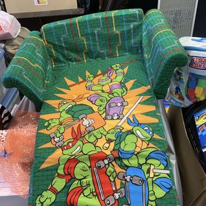 Disney 2n1 Fold Up Couches N Bed for Sale in Los Angeles, CA