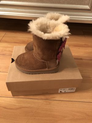 Uggs toddler girl boots for Sale in LAS VEGAS, NV