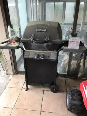 Barbecue grill for Sale in Spring, TX