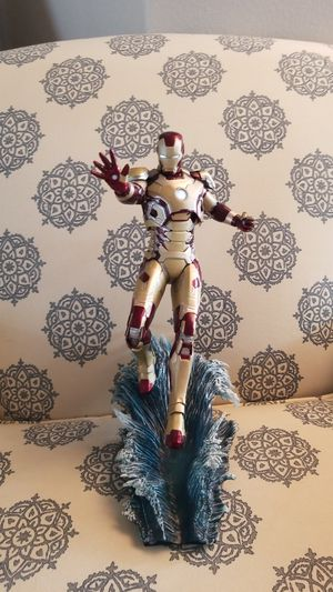 Iron man 42 kotobukiya 1/6scale with LED for Sale in Lutz, FL
