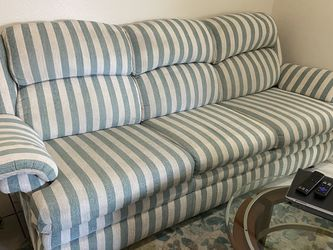 Nice Queen Sleeper Pullout Sofa FREE SAME DAY DELIVERY for Sale in Tampa,  FL