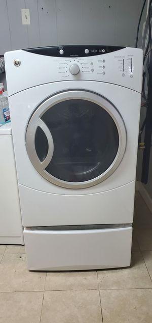 Good working conditions dryer machine GE for Sale in Woodbridge, VA