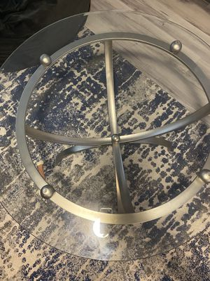 Gorgeous Kitchen glass table for Sale in Delray Beach, FL