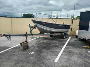 05 aluminum v bottom boat for Sale in Clearwater, FL
