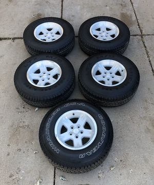 5 Jeep Wheels & Tires 15x8J for Sale in Lakewood, CO