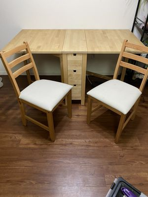 Kitchen table and chairs for Sale in Lake Forest, CA