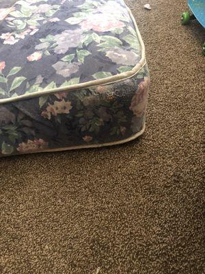 Queen size mattress for Sale in Lanham, MD