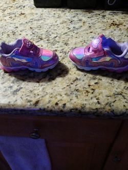 Size 7 Paw Patrol Light Up Toddler Shoes Great Nearly Used Condition for Sale in Tampa,  FL